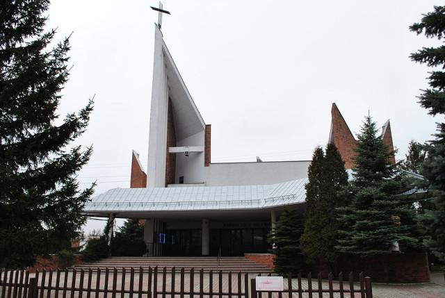 1024px-Os._Tysiąclecia_Kościół_MB_Piekarskiej