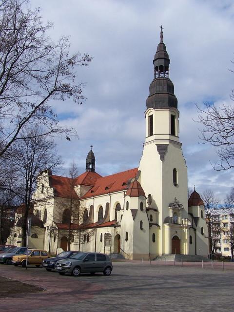 800px-Katowice_-_Józefowiec_-_Kościół_pw._św._Józefa_Robotnika