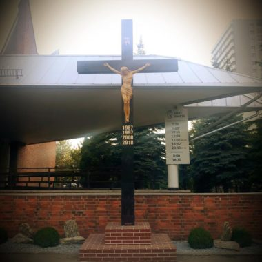 Nowy krzyż i remont obejścia