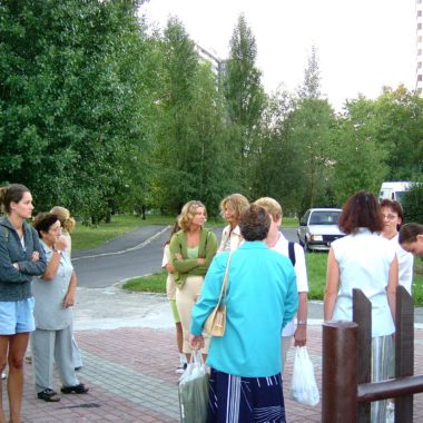 Kobiety idą do Piekar