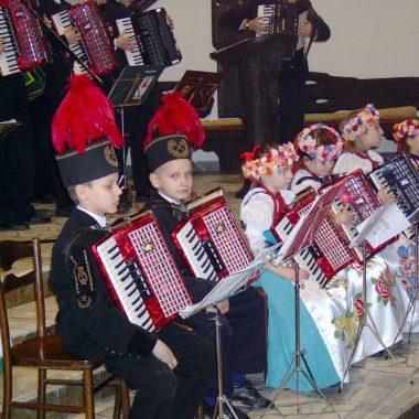 Występ młodych akordeonistów
